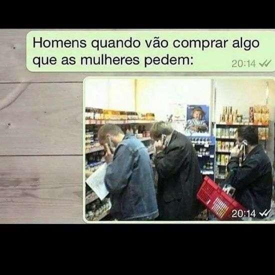 Homens fazendo compras