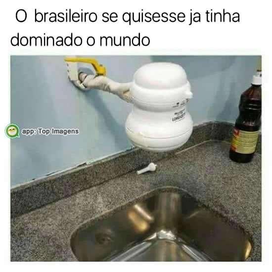 Gambiarra de brasileiro