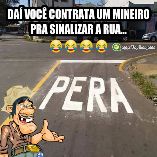 Mineiro sinalizando a rua