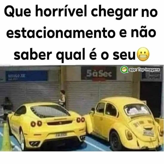 Carro no estacionamento